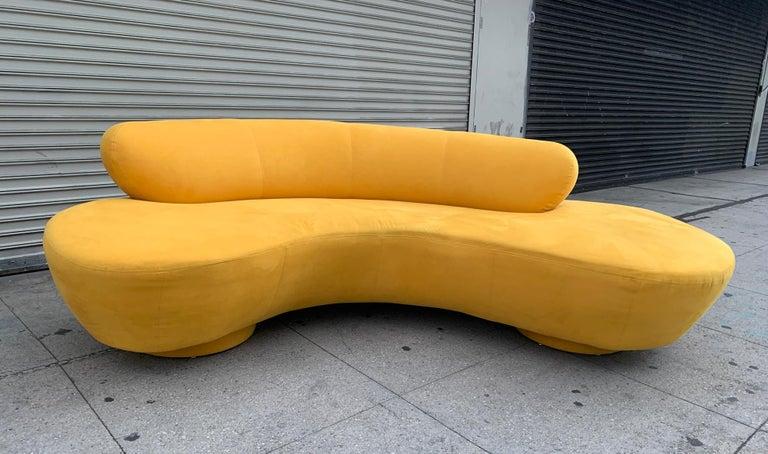 American Vintage Vladimir Kagan for Directional, Serpentine Sofa For Sale