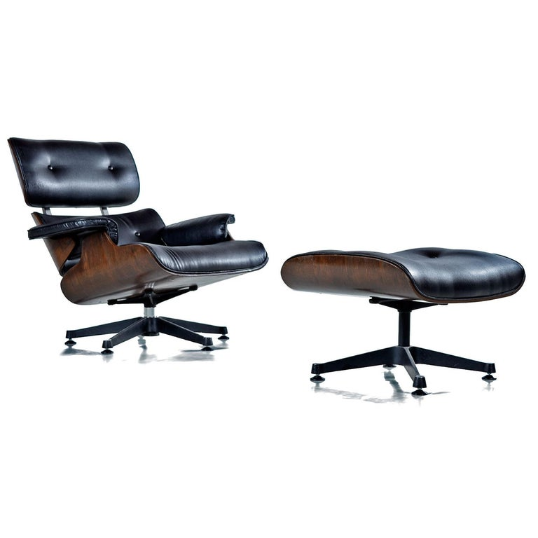 Mid-Century Modern Vintage Walnut Eames Lounge Chair and Ottoman Replica Set in Black Leather For Sale