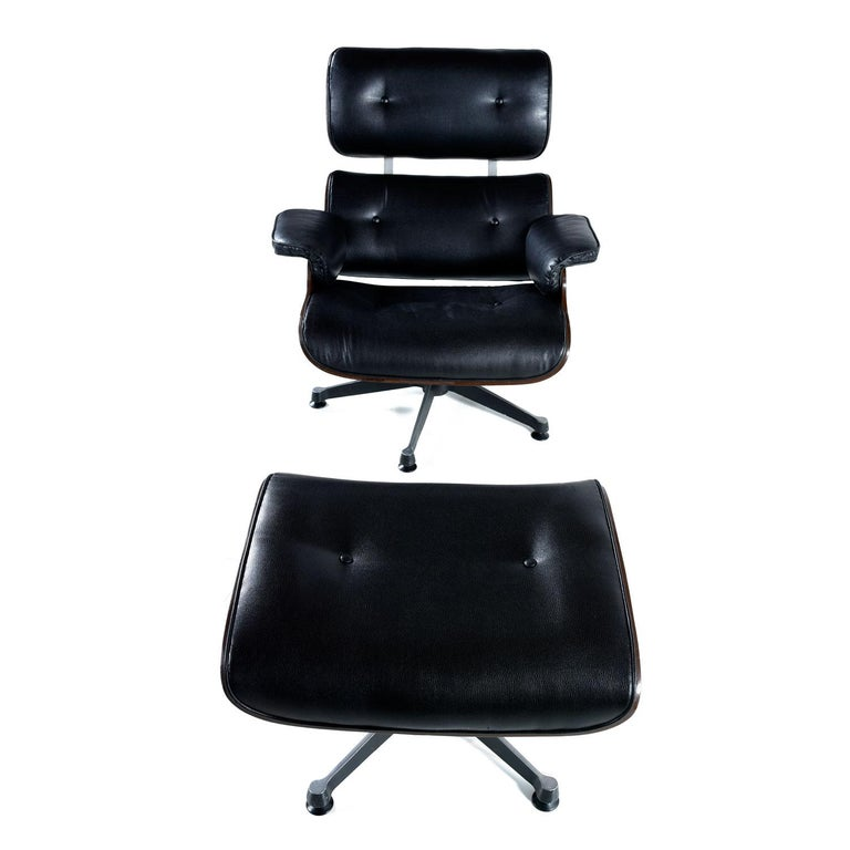 American Vintage Walnut Eames Lounge Chair and Ottoman Replica Set in Black Leather For Sale