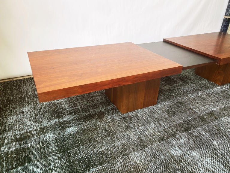 Vintage Walnut Expandable Coffee Table by John Keal for Brown Saltman, c. 1960s For Sale 3