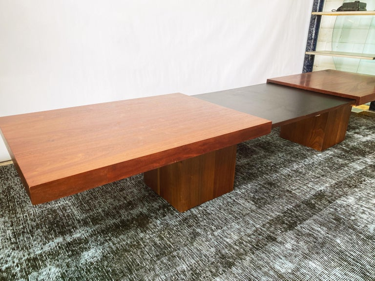 American Vintage Walnut Expandable Coffee Table by John Keal for Brown Saltman, c. 1960s For Sale