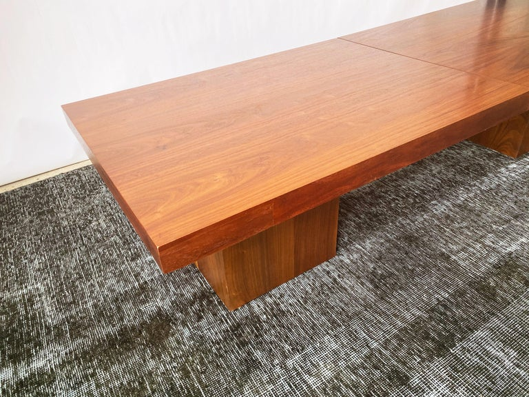Mid-20th Century Vintage Walnut Expandable Coffee Table by John Keal for Brown Saltman, c. 1960s For Sale