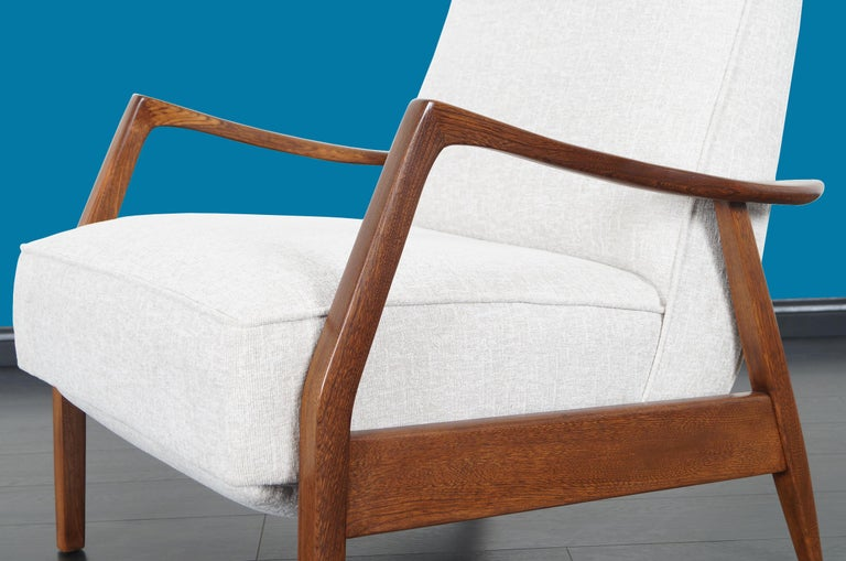 Vintage Walnut Reclining Lounge Chair by Milo Baughman For Sale 1