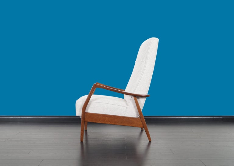 Vintage Walnut Reclining Lounge Chair by Milo Baughman For Sale 2