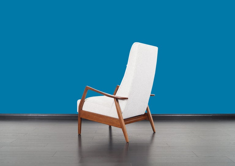 Vintage Walnut Reclining Lounge Chair by Milo Baughman For Sale 5