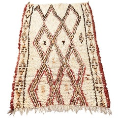Vintage White Beni Ouarain Pile Rug with Red and Brown Patterns, Morocco 1980s