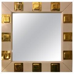 Vintage Weiß Lackiertes Holz und Messing Italienischer Quadratischer Spiegel, 1970er