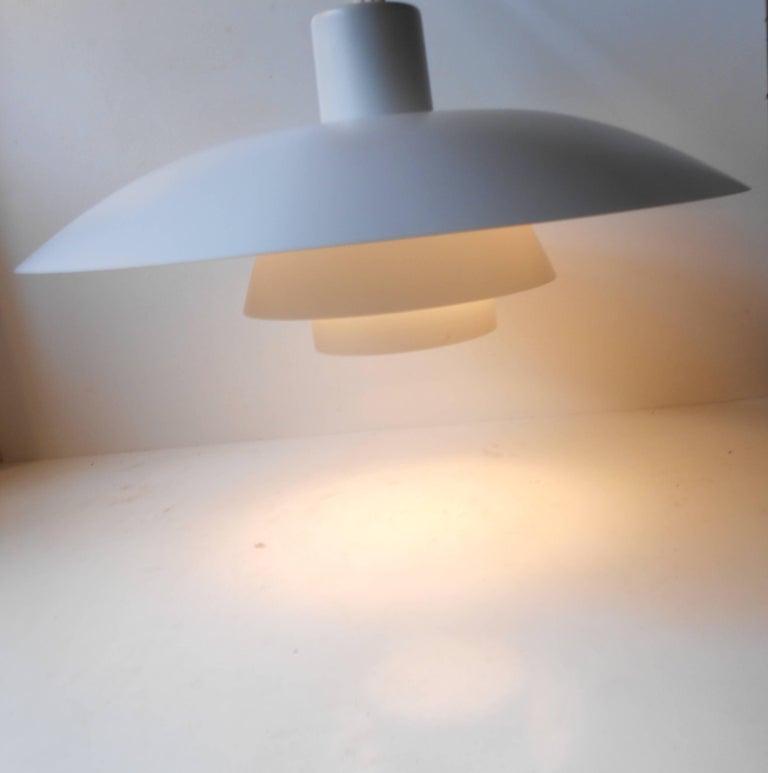 Mid-Century Modern Vintage White PH-4/3 Pendant Lamp by Poul Henningsen, Louis Poulsen, circa 1970 For Sale