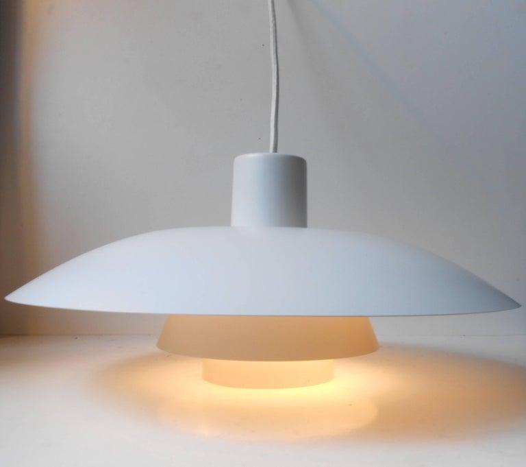 Powder-Coated Vintage White PH-4/3 Pendant Lamp by Poul Henningsen, Louis Poulsen, circa 1970 For Sale