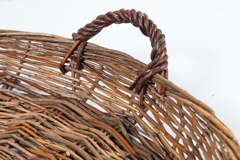 Vintage Wicker Grape Basket, France, circa 1950 In Good Condition For Sale In Chappaqua, NY