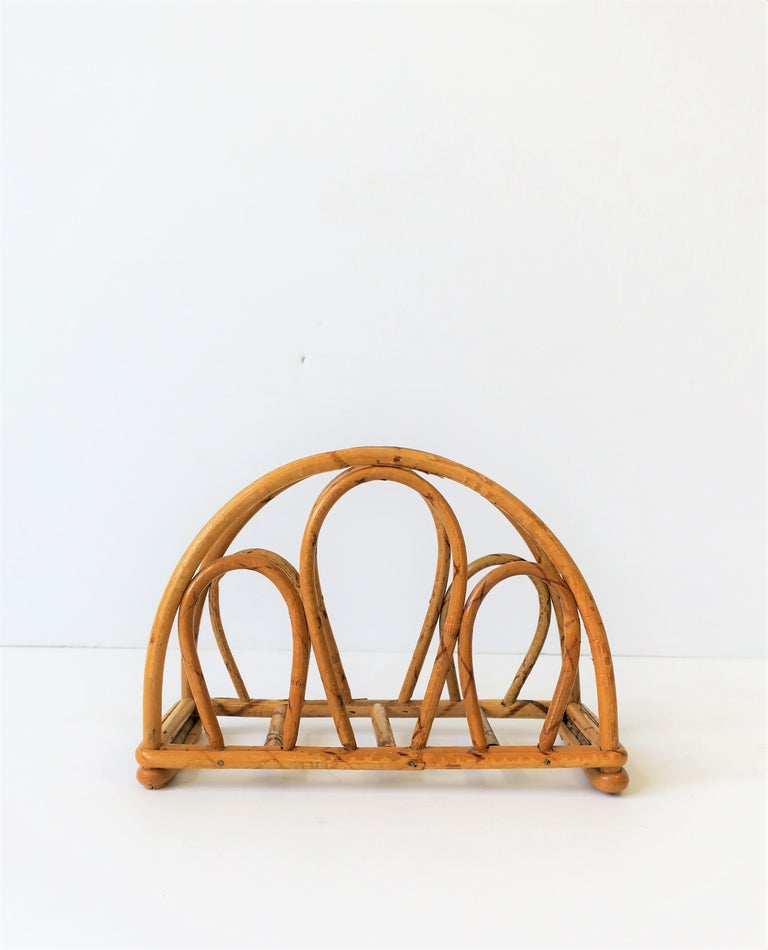 Vintage Wicker Napkin Holder In Good Condition For Sale In New York, NY