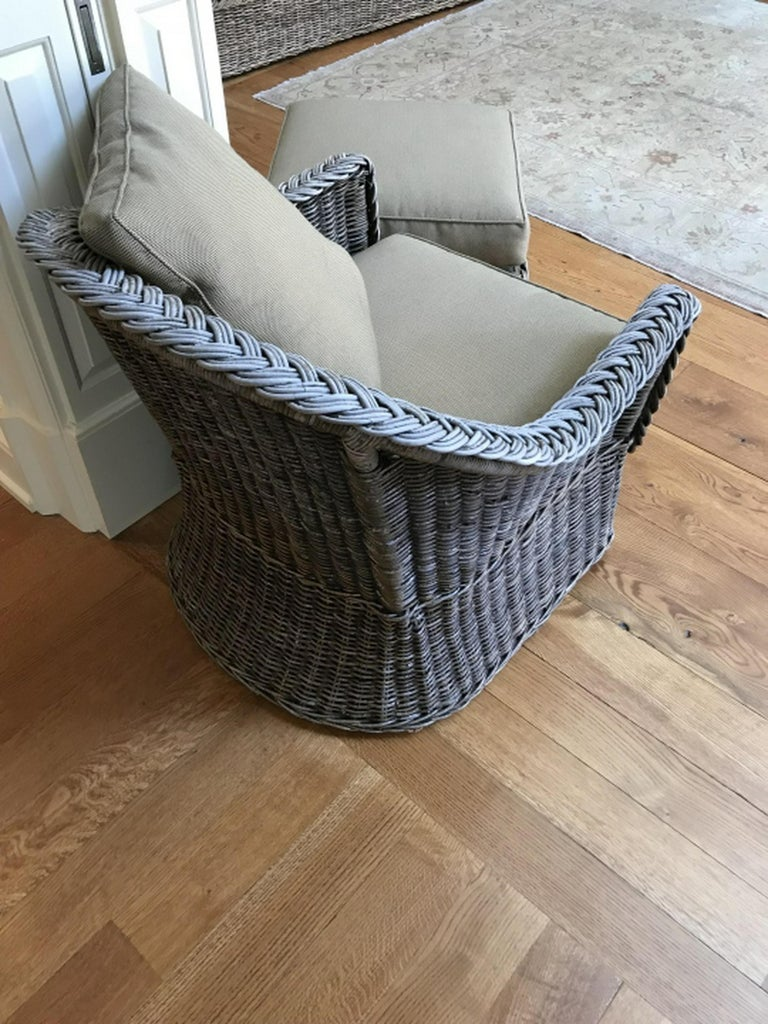 Vintage Wicker Sofa Loveseat In Good Condition For Sale In Great Barrington, MA