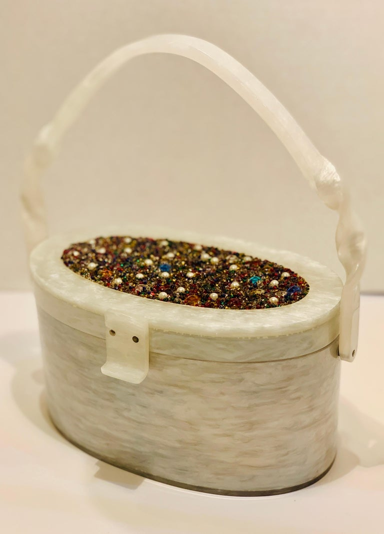 Brown Vintage Wilardy Mid Century Modern Pearl Lucite Jeweled Top Twisted Handle Purse For Sale