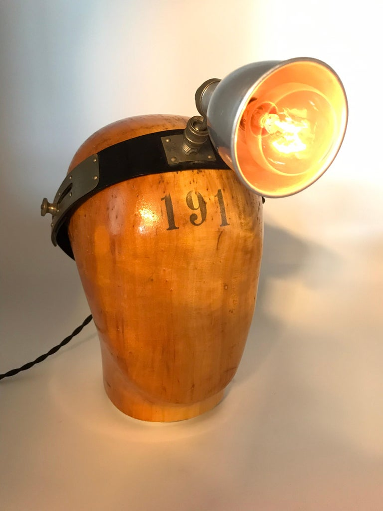 Vintage Wooden Hat or Wig Stand Lamp For Sale 2