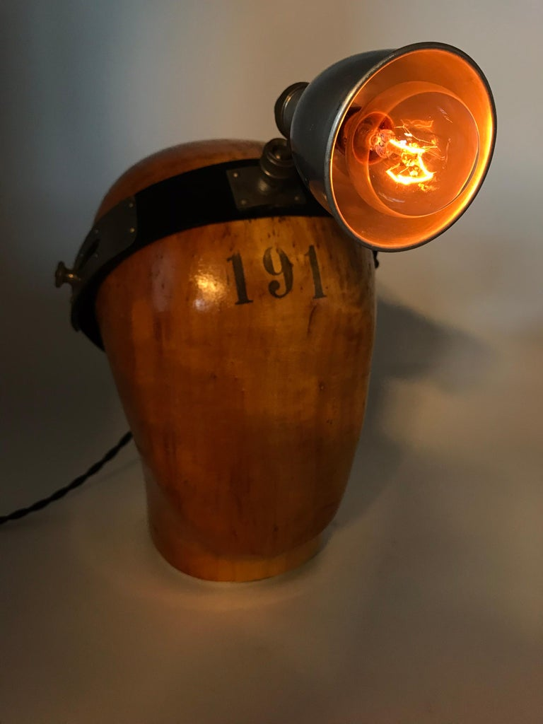 Vintage Wooden Hat or Wig Stand Lamp For Sale 3