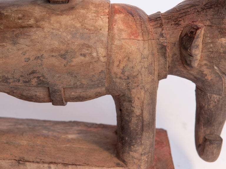 Vintage Wooden Offering Holder Elephant Motif Newar of Nepal Mid-20th Century For Sale 7
