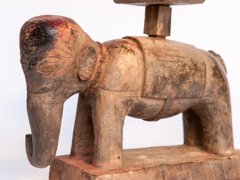 Vintage Wooden Offering Holder Elephant Motif Newar of Nepal Mid-20th Century For Sale 1