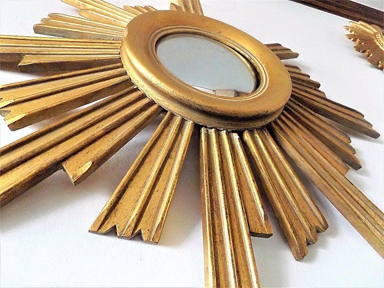 French Vintage Wooden Sunburst Convex Mirror, 1950s For Sale
