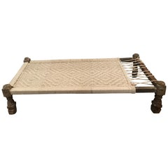 Vintage Woven Daybed