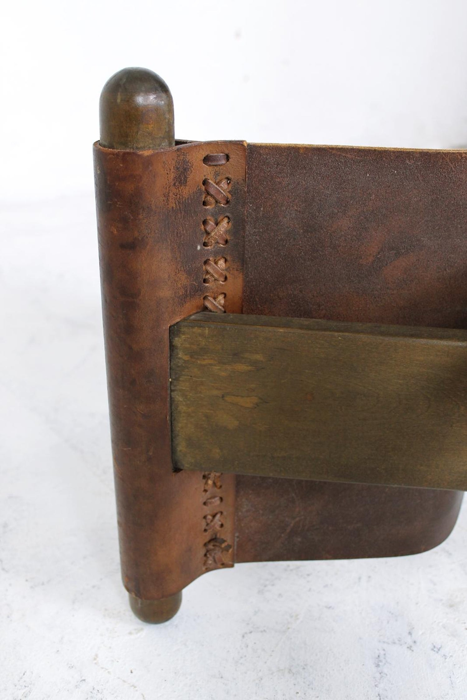 Super Vintage X Base Oak And Saddle Leather Folding Safari Stool Machost Co Dining Chair Design Ideas Machostcouk