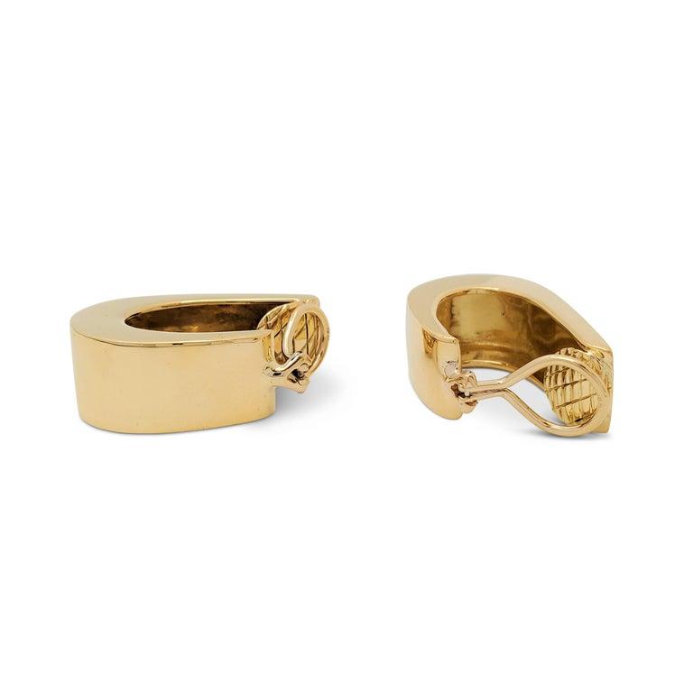 Women's Vintage Yellow Gold J-Shaped Half Hoop Earrings For Sale