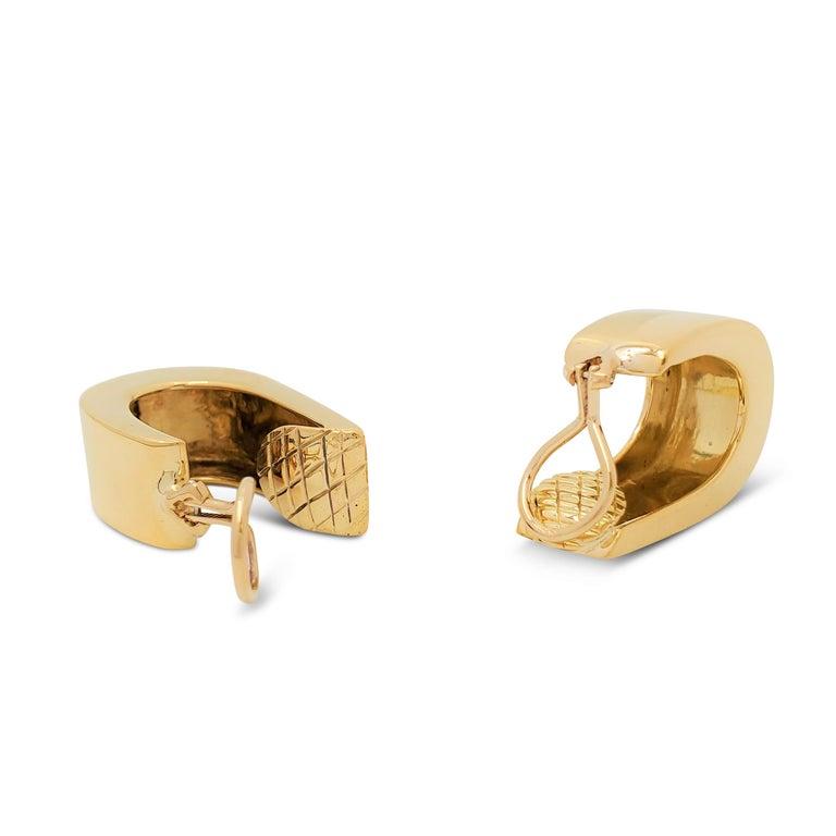 Vintage Yellow Gold J-Shaped Half Hoop Earrings For Sale 1