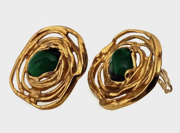Vintage YVES SAINT LAURENT by Robert Goossens Emerald Flower Earrings In Excellent Condition For Sale In Kingersheim, Alsace