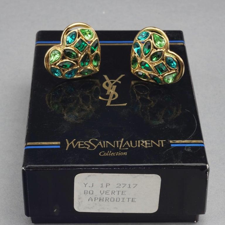 Vintage YVES SAINT LAURENT by Robert Goossens Green Heart Rhinestones Earrings In Good Condition For Sale In Kingersheim, Alsace