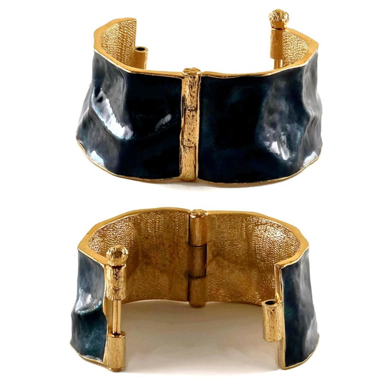 Women's Vintage YVES SAINT LAURENT by Robert Goossens Wrinkled Enamel Cuff Bracelet For Sale