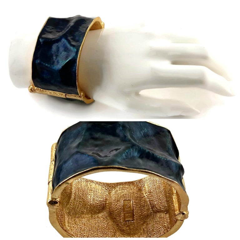 Vintage YVES SAINT LAURENT by Robert Goossens Wrinkled Enamel Cuff Bracelet For Sale 1