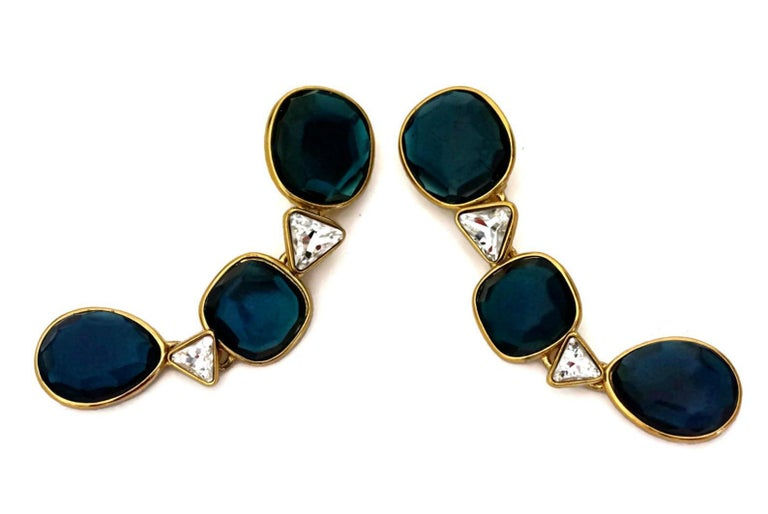 Vintage YVES SAINT LAURENT Long Geometric Faceted Stone Earrings In Excellent Condition For Sale In Kingersheim, Alsace