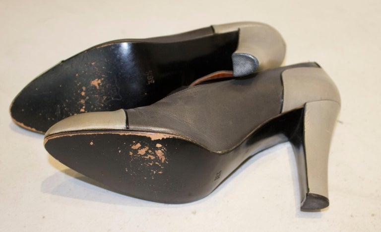 Vintage Yves Saint Laurent Paris Grey Leather Shoes For Sale 2
