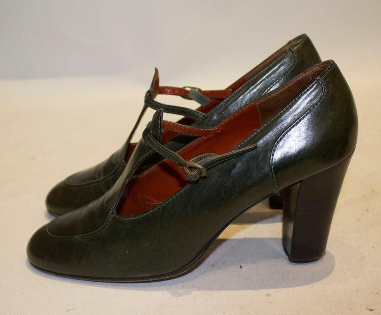 Vintage Yves Saint Laurent Paris Olive Green Leather Shoes For Sale 1