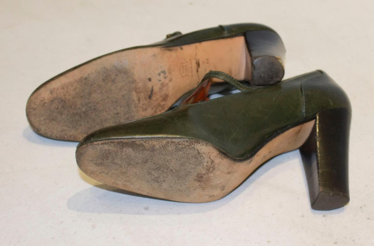 Vintage Yves Saint Laurent Paris Olive Green Leather Shoes For Sale 2