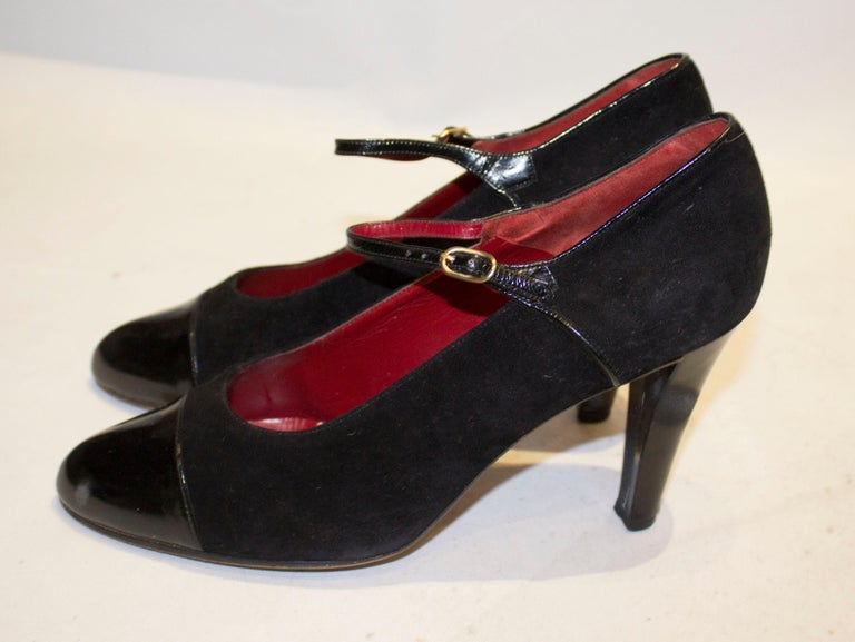 Vintage Yves Saint Laurent Paris Shoes in Black Patent and Suede, In Good Condition For Sale In London, GB