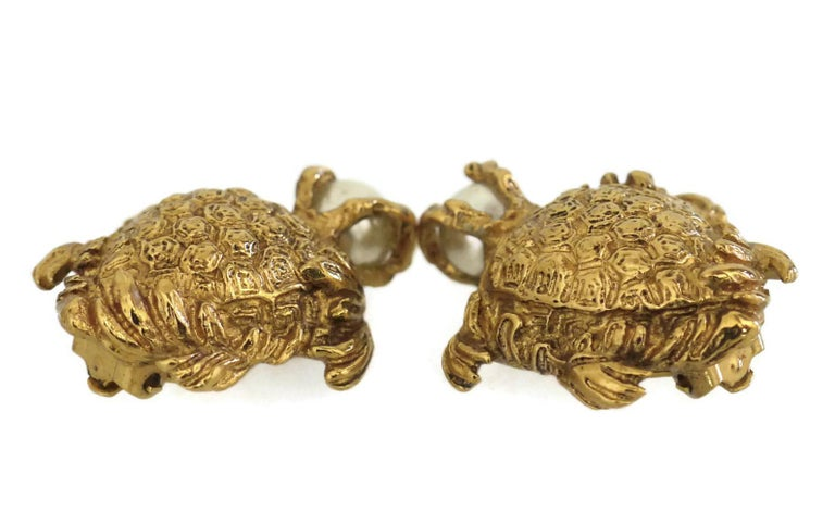 Vintage YVES SAINT LAURENT Turtle Pearl Earrings In Excellent Condition For Sale In Kingersheim, Alsace
