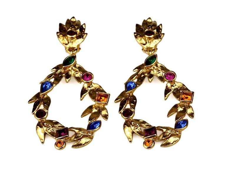 Vintage YVES SAINT LAURENT Ysl by Robert Goossens Jewelled Garland Hoop Earrings In Excellent Condition For Sale In Kingersheim, Alsace