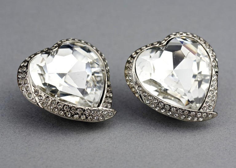 Vintage YVES SAINT LAURENT Ysl Faceted Heart Rhinestone Earrings In Excellent Condition For Sale In Kingersheim, Alsace