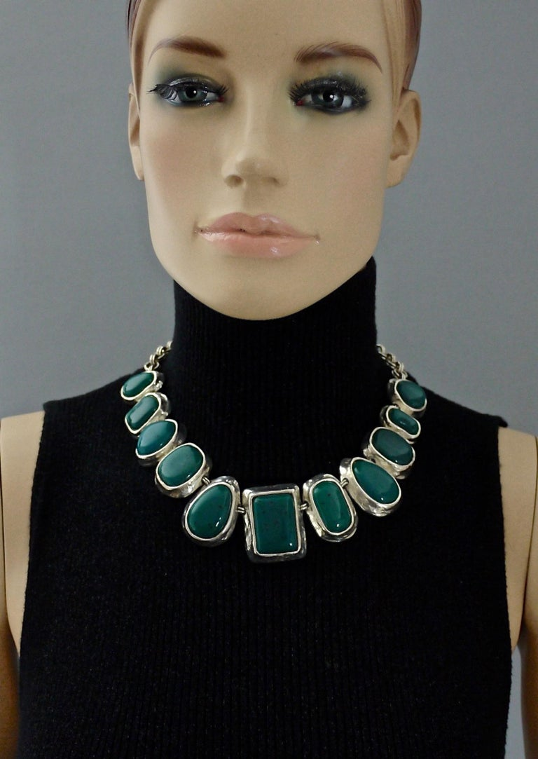 Vintage YVES SAINT LAURENT Ysl Faux Turquoise Geometric Cabochon Necklace In Excellent Condition For Sale In Kingersheim, Alsace