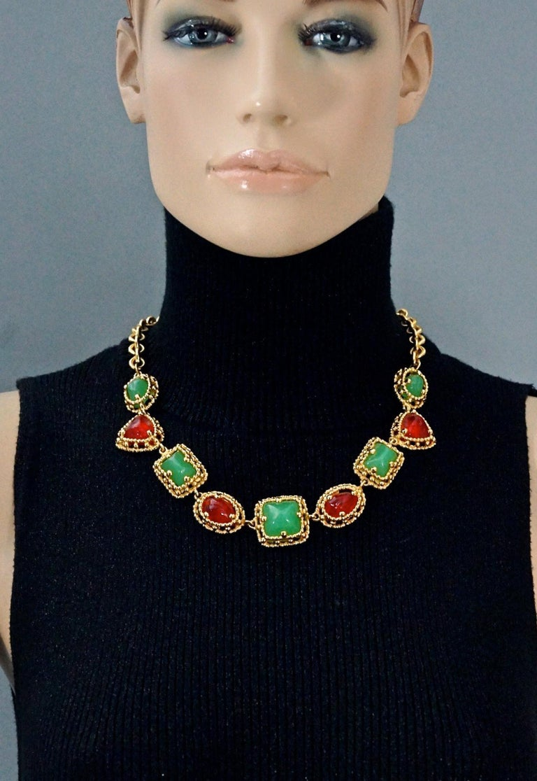 Vintage YVES SAINT LAURENT Ysl Geometric Jade Ruby Glass Poured Link Necklace  Measurements: Height: 1 inch (2.6 cm) Wearable Length: 18.70 inches (47.5 cm) until 20.66 inches (52.5 cm)  Features: - 100% Authentic YVES SAINT LAURENT. - Geometric