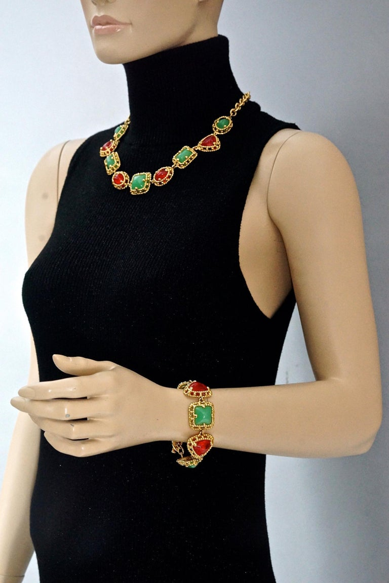 Vintage YVES SAINT LAURENT Ysl Geometric Jade Ruby Glass Poured Link Necklace In Excellent Condition For Sale In Kingersheim, Alsace