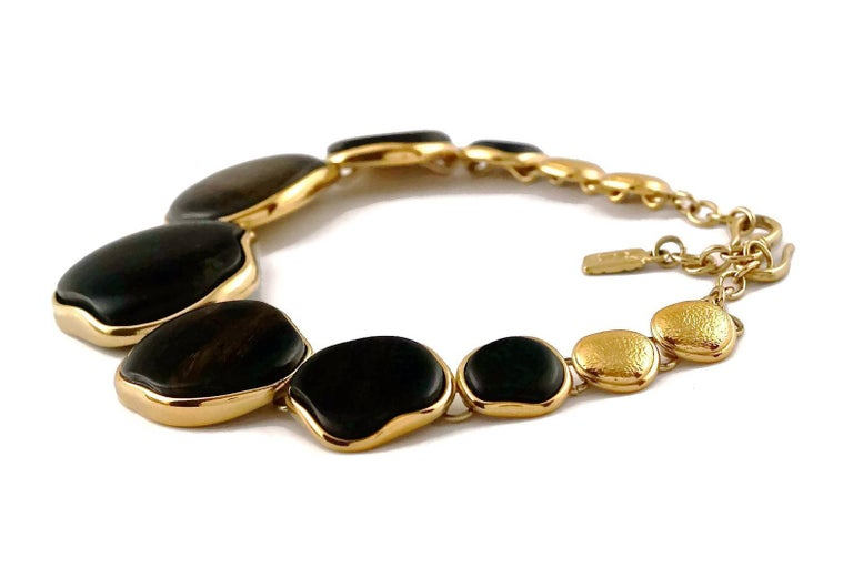 Vintage YVES SAINT LAURENT Ysl Graduated Wood Choker Necklace In Excellent Condition For Sale In Kingersheim, Alsace