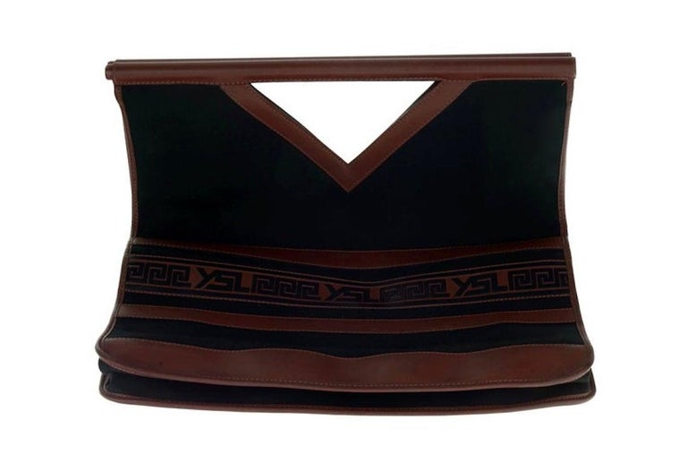 Women's Vintage YVES SAINT LAURENT Ysl Logo Foldable Envelope Leather Clutch Bag For Sale