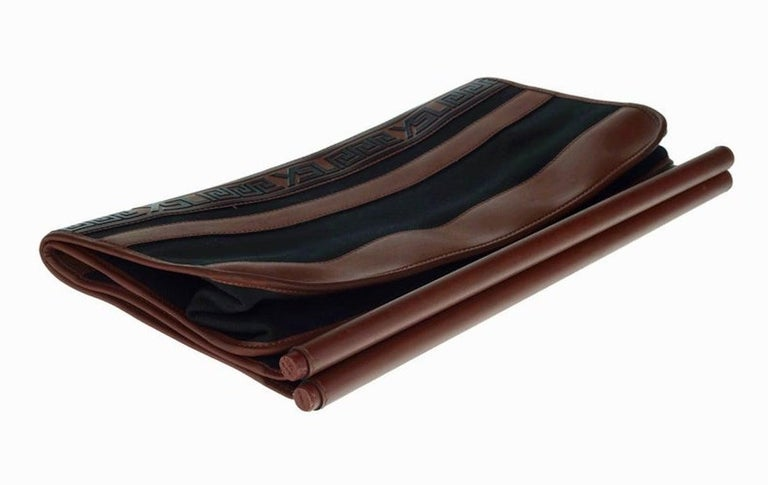 Vintage YVES SAINT LAURENT Ysl Logo Foldable Envelope Leather Clutch Bag For Sale 2