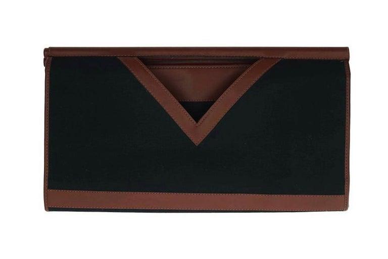 Vintage YVES SAINT LAURENT Ysl Logo Foldable Envelope Leather Clutch Bag For Sale 3