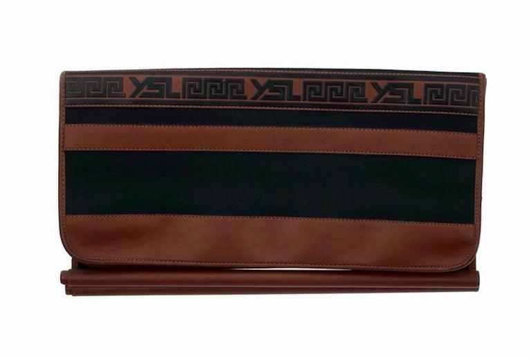 Vintage YVES SAINT LAURENT Ysl Logo Foldable Envelope Leather Clutch Bag For Sale 4