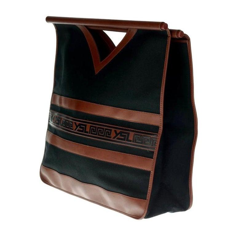 Vintage YVES SAINT LAURENT Ysl Logo Foldable Envelope Leather Clutch Bag For Sale