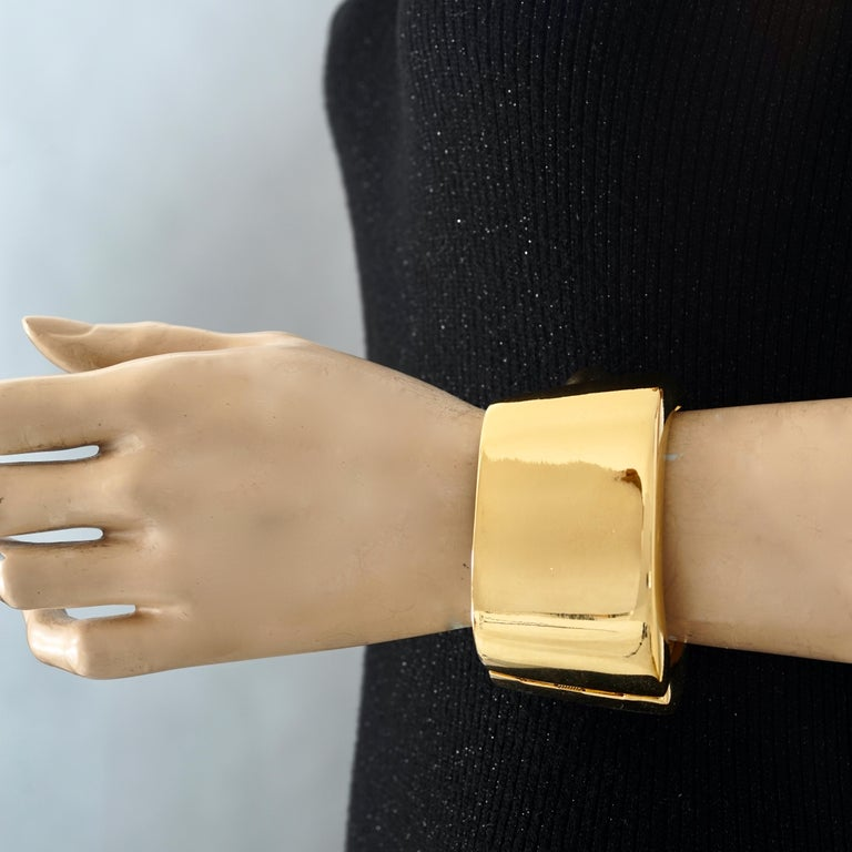 Vintage YVES SAINT LAURENT Ysl Logo Space Age Watch Clamper Cuff Bracelet  In Excellent Condition For Sale In Kingersheim, Alsace