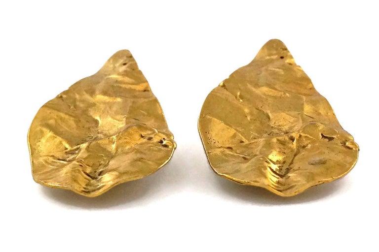 Vintage YVES SAINT LAURENT Ysl Massive Wrinkled Leaf Earrings For Sale 3