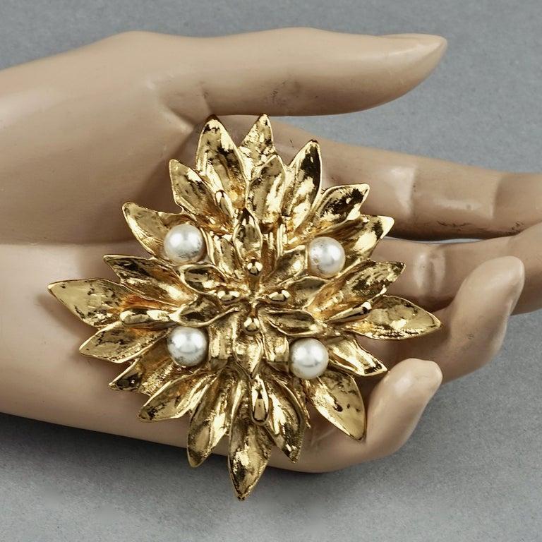 Vintage YVES SAINT LAURENT Ysl Pearl Flower Brooch For Sale 1